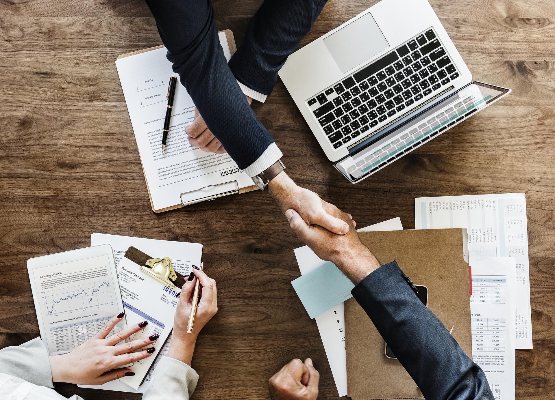 rukovanje-poslovni-dogovor