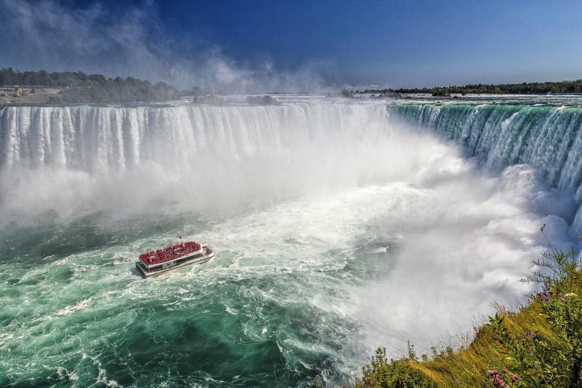 Nijagarini vodopadi - krstarenje